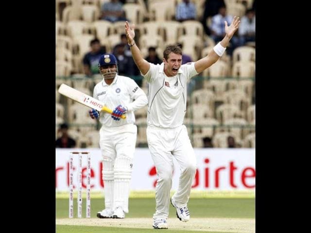 New-Zealand-s-Tim-Southee-R-appeals-for-the-wicket-of-India-s-Virender-Sehwag-during-the-second-day-of-their-second-test-cricket-match-in-Bangalore-Reuters-Vivek-Prakash