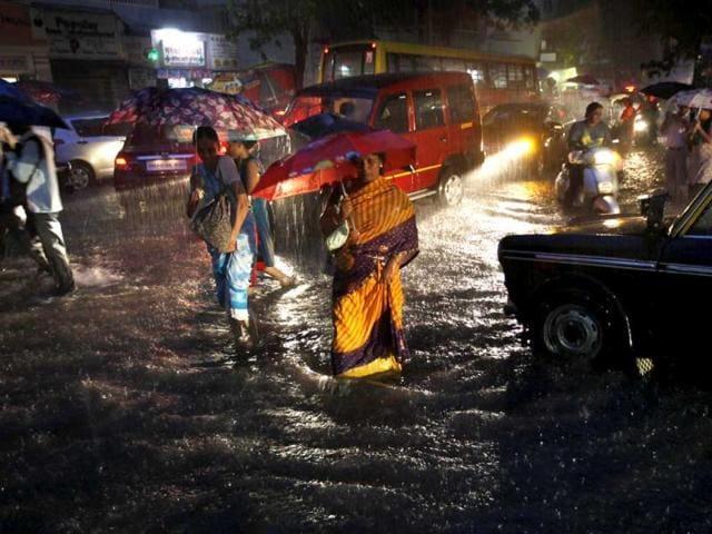 6 killed in Maharashtra downpour; heavy rains likely for next 2 days