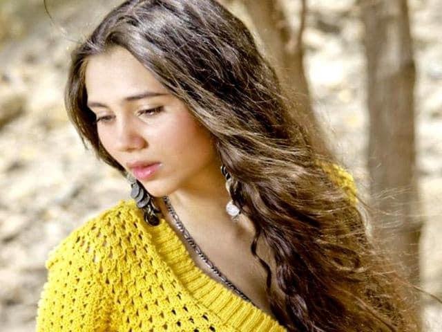 Sashaa-Salma-Agha-s-daughter