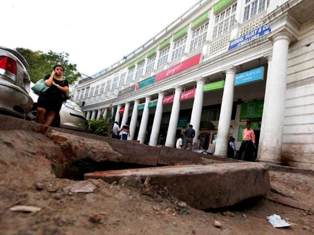 Haphazard-construction-in-the-middle-circle-of-Connaught-Place-has-made-traders-unhappy-Traders-claim-sales-of-shops-in-middle-circle-and-radial-roads-have-come-down-drastically-because-of-the-unending-construction-in-the-area-Raj-K-Raj-HT-Photo