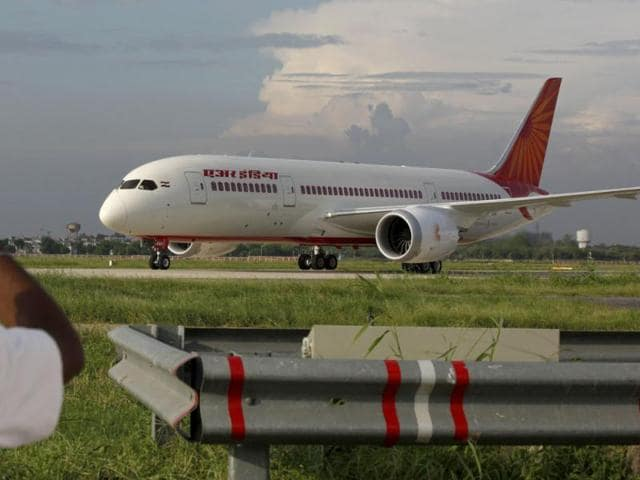 AI-s-first-Dreamliner-lands-in-India
