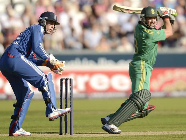 South-Africa-s-Jacques-Kallis-hits-out-watched-by-England-s-Craig-Kieswetter-L-during-the-first-Natwest-T20-international-cricket-match-at-the-Riverside-ground-Chester-le-Street-in-County-Durham-England-Reuters-photo-Philip-Brown