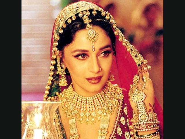 I don't try hard to look graceful, says Madhuri Dixit