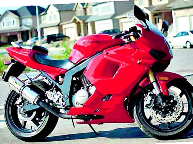 Superbike-maker-Hyosung-Bikes-250cc-mobike-GT250R