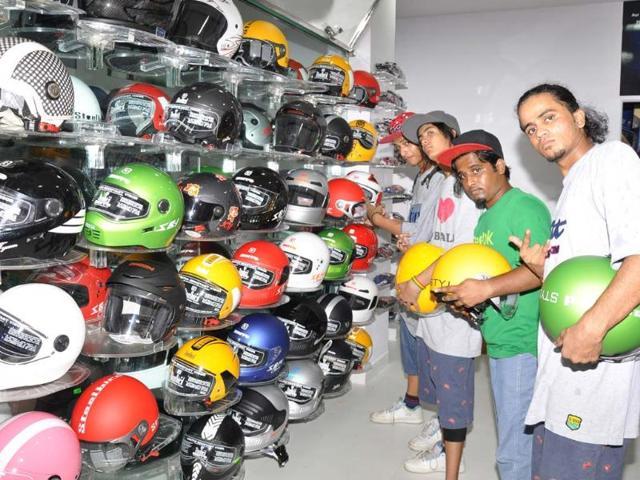 Steelbird Helmets,Riderz Shop,retail store