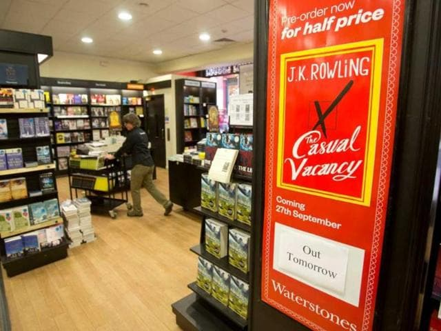 The-Casual-Vacancy-reaches-1-million-sales-in-3-weeks