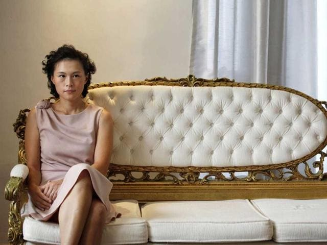 Hong Kong tycoon,lesbian daughter,marriage bounty