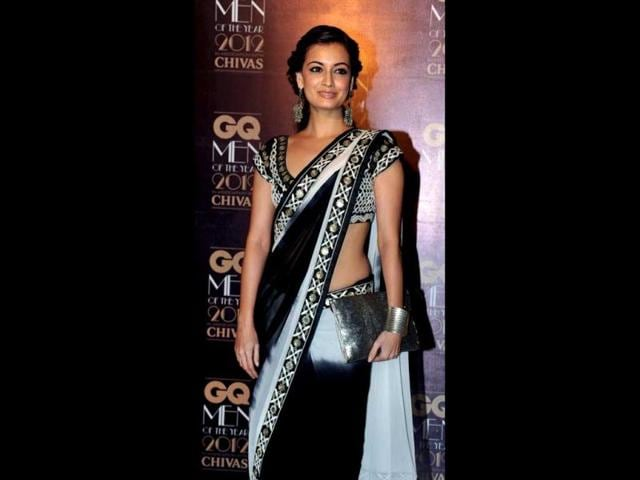 Dia-Mirza-dazzles-in-black-at-the-GQ-Men-of-the-Year-Awards-2012-ceremony-in-Mumbai-AFP