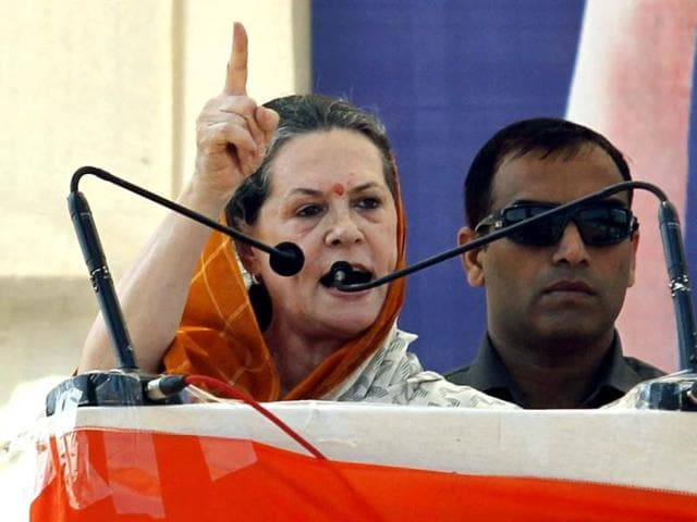Cong scared to speak in Guj; Sonia's speech 'lacklustre': Modi