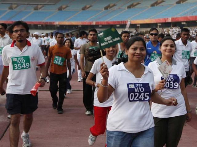 "Participants in an ITBP half marathon ""Run for the Nation"" at Jawaharlal Nehru Stadium in New Delhi. (HT Photo/Arvind Yadav)"