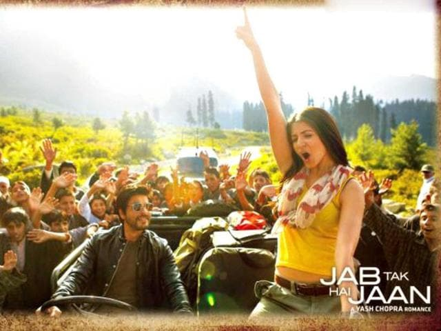 SRK meets Anushka sharma in Kashmir in Jab Tak Hai Jaan.