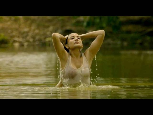 Anushka Sharma gets drunk to get into character for Matru Ki Bijli Ka Mandola