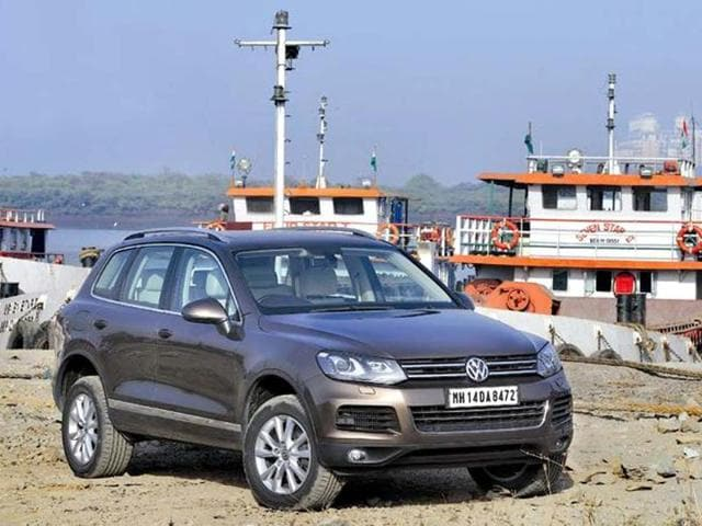 New Volkswagen Touareg launched,3.0-litre six-cylinder diesel engine,236bhp and 56.08kgm