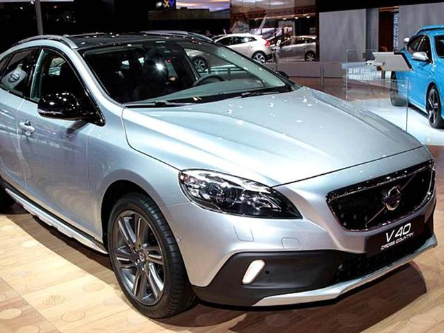 Volvo-V40-Cross-Country-for-India