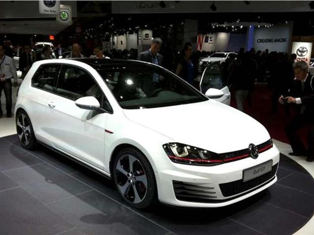 VW shows new Golf GTi,2.0 turbo petrol engine,217bhp and 227bhp