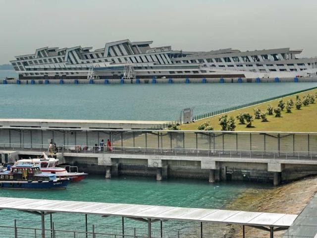 The-Marina-Bay-Cruise-Centre-top-in-Singapore-Photo-AFP-Roslan-Rahman