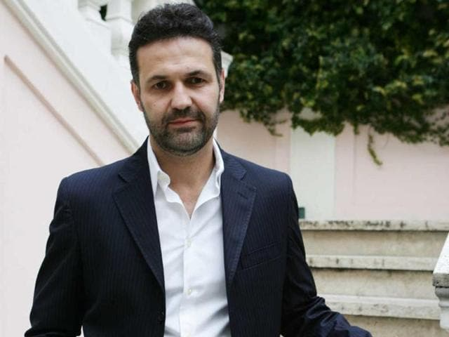 Novelist-Khaled-Hosseini-in-Rome-on-April-2-2008-Photo-AFP-Tiziana-Fabi