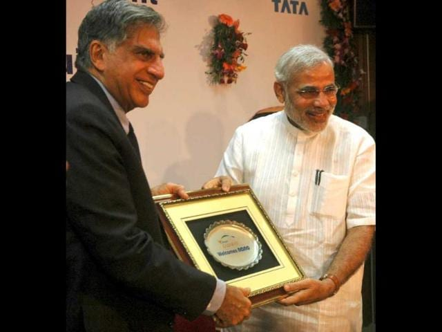 A-file-photo-of-Gujarat-chief-minister-Narendra-Modi-and-Tata-group-chairman-Ratan-Tata-HT-Photo
