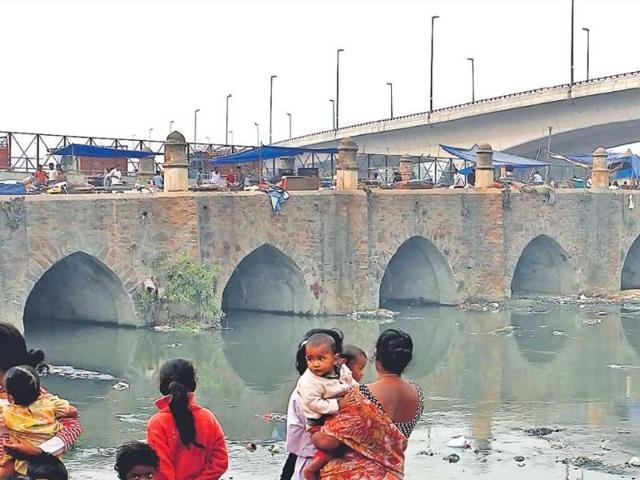 Asi-s-Barapulla-the-almost-four-lane-wide-road-has-11-arches-and-12-piers-It-has-now-become-a-local-subzi-mandi-HT-Mohd-Zakir