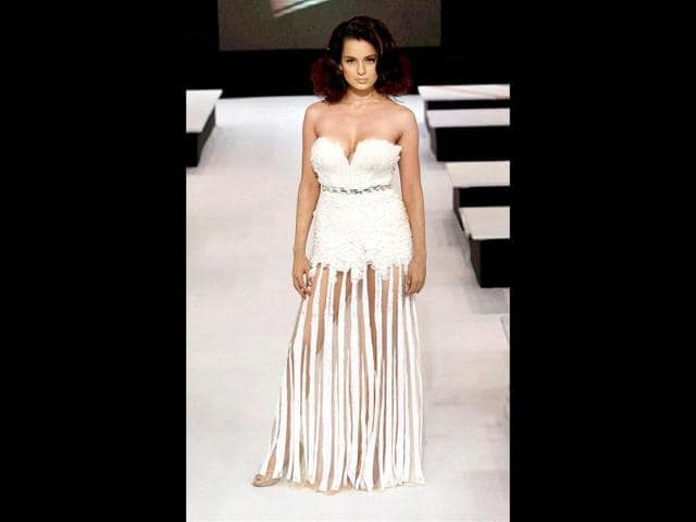 Kangana-Ranaut-dons-a-daring-outfit-as-she-turns-walks-for-designer-Gavin-Miguel-Photo-PTI