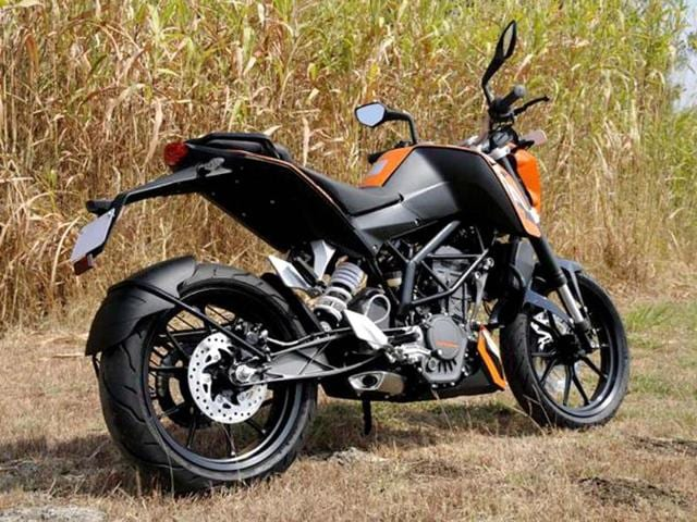 Indian bike enthusiasts have long clamored for a sporty, thrilling streetbike. Does KTM's latest, the 200 Duke fit the bill?