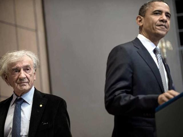 Elie-Wiesel-and-US-President-Barack-Obama-at-the-United-States-Holocaust-Memorial-Museum-April-23-2012-in-Washington-DC-Photo-AFP-Brendan-Smialowski