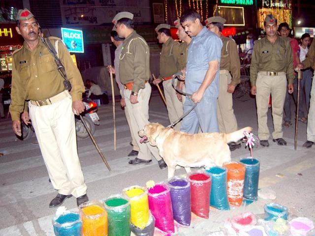 Uttar Pradesh,noida police,Alok Ranjan