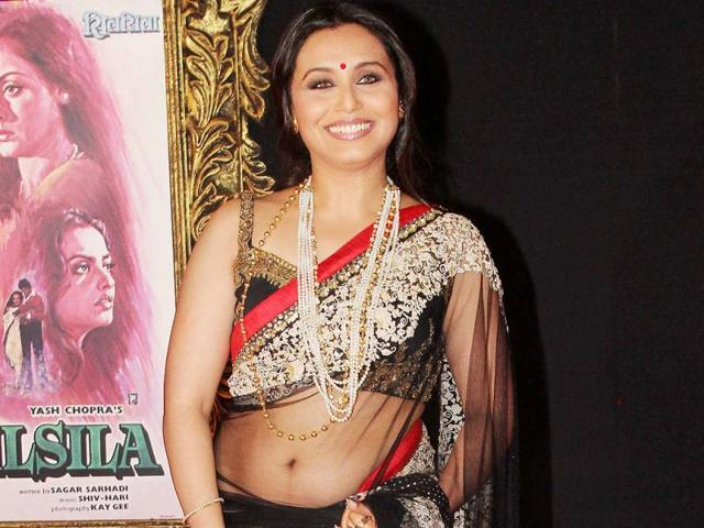 Rani-Mukerji-looks-wonderful-clad-in-a-black-and-white-sari-Photo-Yogen-Shah