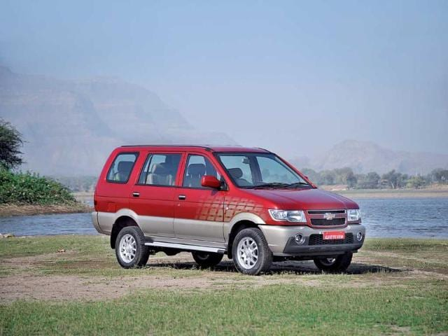 Chevrolet Tavera Neo 3 Review Test Drive Autos Hindustan Times