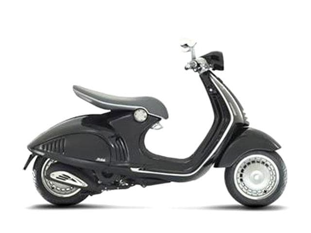 Vespa-946-lends-a-modern-touch-to-classic-favourite