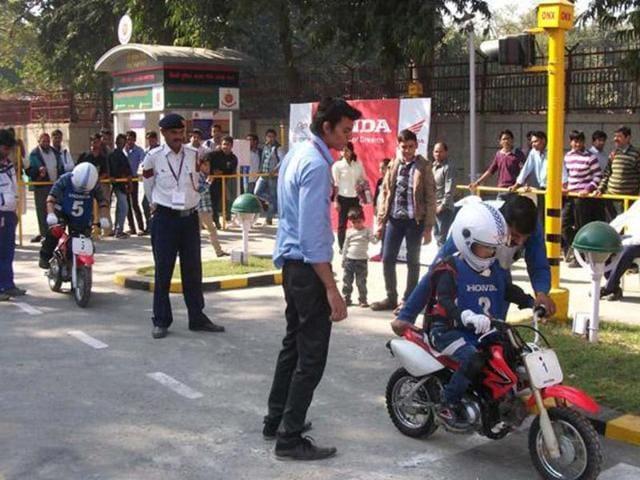 Honda and Delhi Traffic Police educate gen next.