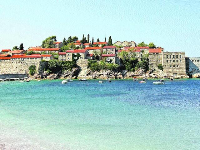 The-Sveti-Stefan-Resort-once-a-village-belonging-to-a-clan-of-12-families