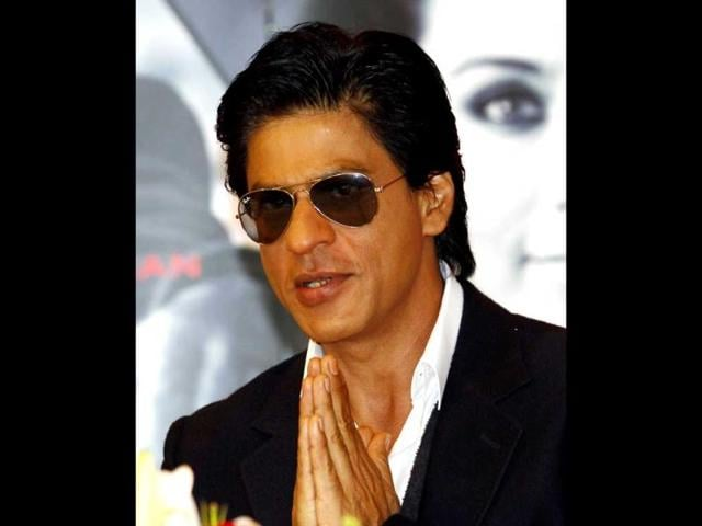 Namashkaar-Jakarta-Shah-Rukh-Khan-at-the-press-conference-before-the-Temptation-Reloaded-concert-in-Indonesia