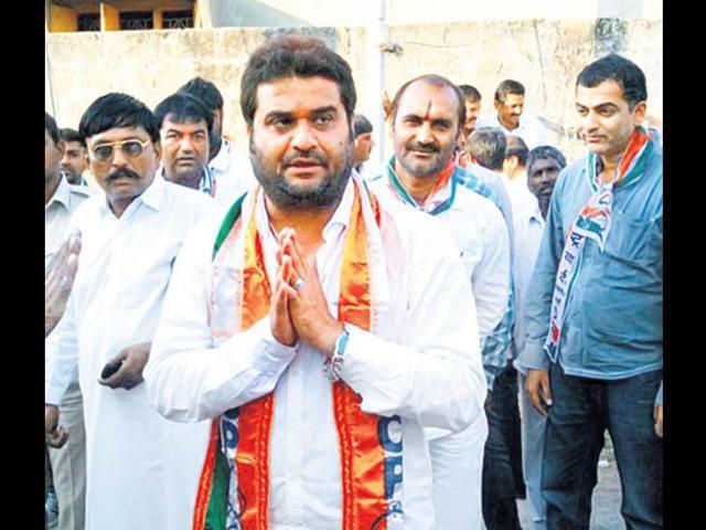 Kandhal-Jadeja-campaign-for-the-NCP-in-Porbandara-Gujarat-Smruti-Koppikar-HT-Photo