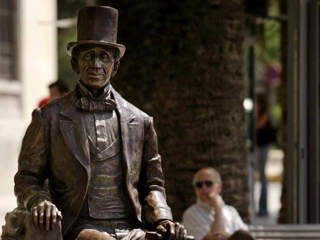Sculpture-of-Hans-Christian-Andersen-in-Malaga-Spain-Photo-AFP-Jose-Luis-Roc-A