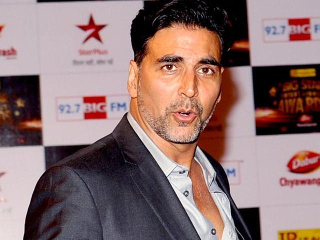 Akshay-Kumar-at-Star-Entertainment-Awards-2012-in-Mumbai-on-December-16-2012