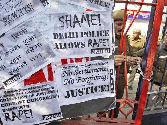 mumbai gang-rape,mumbai photojournalist gang-rape,Azad Maidan