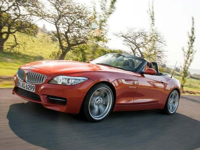 BMW gives the Z4 cosmetic updates and adds a new entry-level variant.