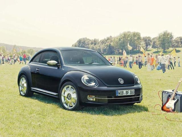 Volkswagen-Beetle-Fender-Limited-Edition-exterior-Photo-AFP
