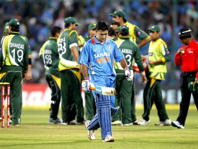 Miffed selectors put Dhoni on notice?