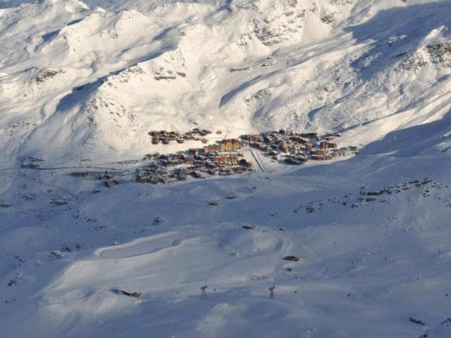 Go-beyond-the-traditional-ski-spots-of-the-Alps-and-Aspen-this-year-Photo-AFP-dotshock-Shutterstock-com