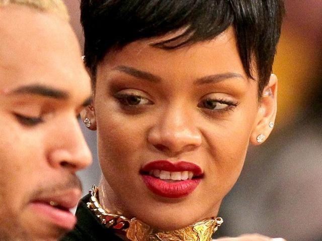 Rihanna-enjoys-the-game-with-Chris-Brown-AFP-PHOTO