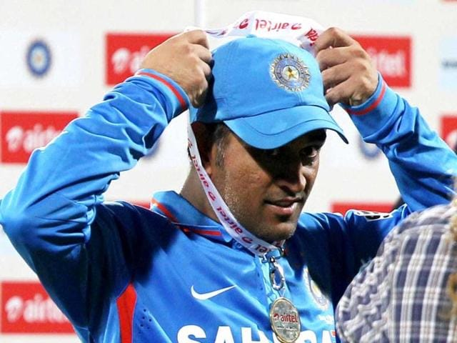 MS Dhoni should show flair in captaincy