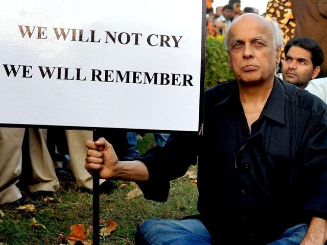 Mahesh Bhatt,Sanjay dutt,review petition