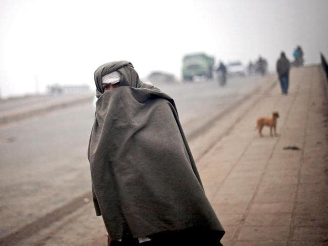 Delhiites shiver as minimum dips to 2.7 degree Celsius