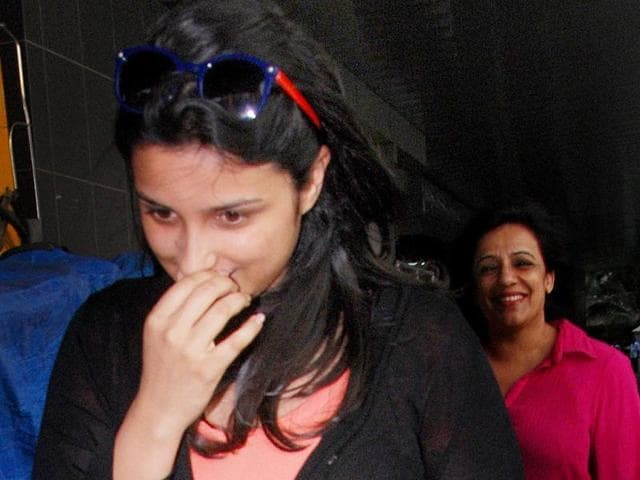 Something-funny-Parineeti