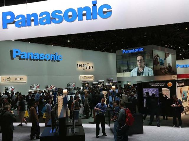 Attendees-walk-through-the-Panasonic-booth-during-the-2013-International-CES-at-the-Las-Vegas-Convention-Center-on-January-8-2013-in-Las-Vegas-Nevada-Photo-Justin-Sullivan-Getty-Images-AFP