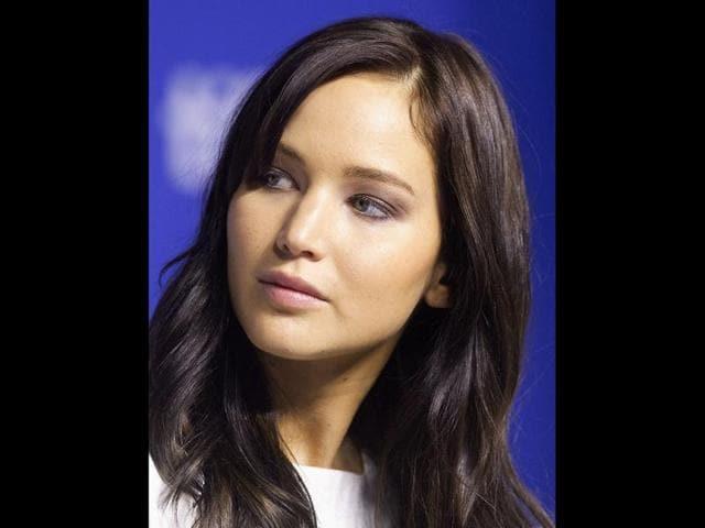Jennifer-Lawrence-Chris-Martin-and-Gwyneth-Paltrow-Agencies
