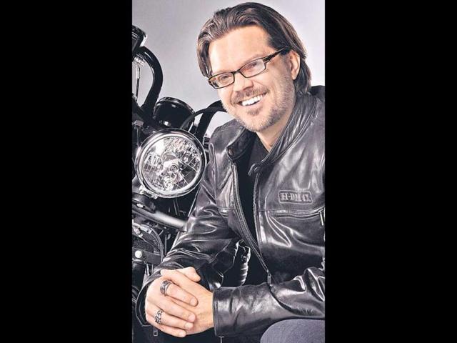 Harley-Davidson-employees-and-biking-enthusiasts-in-Mumbai-REUTERS