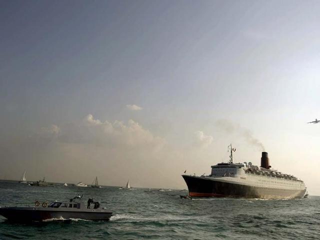 Famous-cruise-liner-Queen-Elizabeth-2-in-Dubai-Photo-AFP-Marwan-Naamani